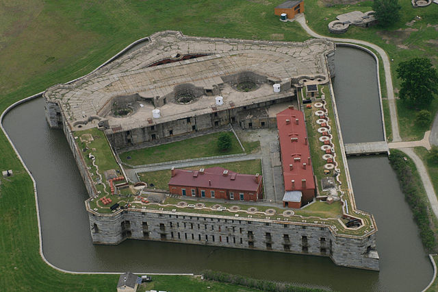 640px-fort_delaware_aerial_photograph_2011